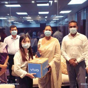 vivo donates LKR 1 million worth surgical masks to the Sri Lankan Ministry of Health